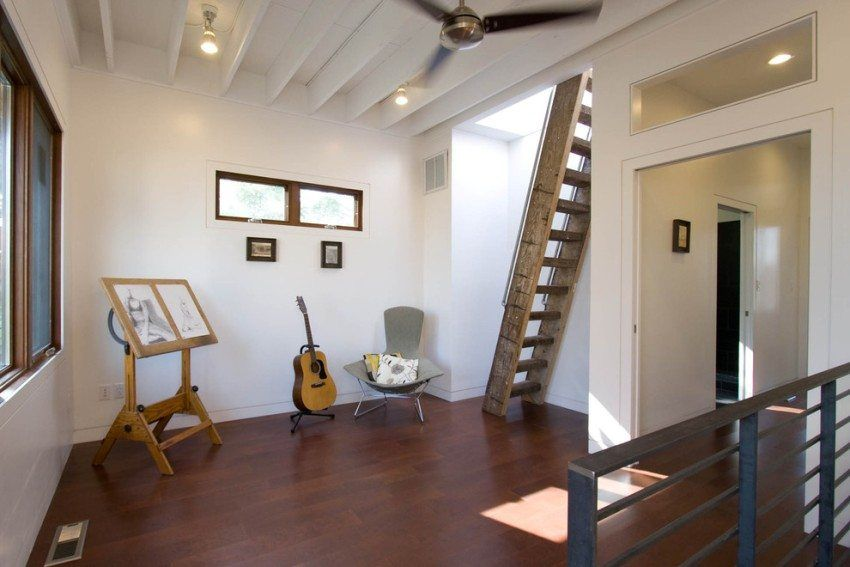 Wooden stairs to the second floor, photo options