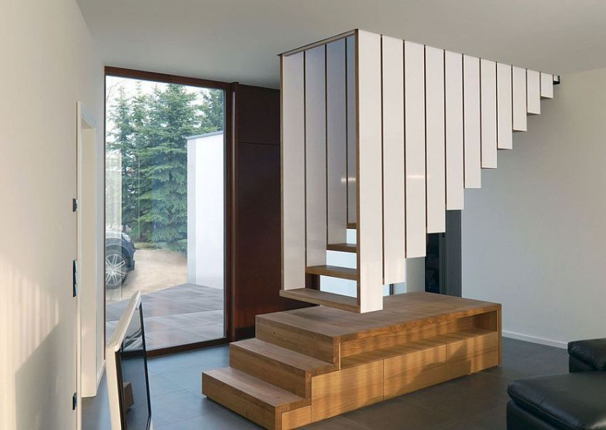 Wooden stairs in a private house: projects, photos