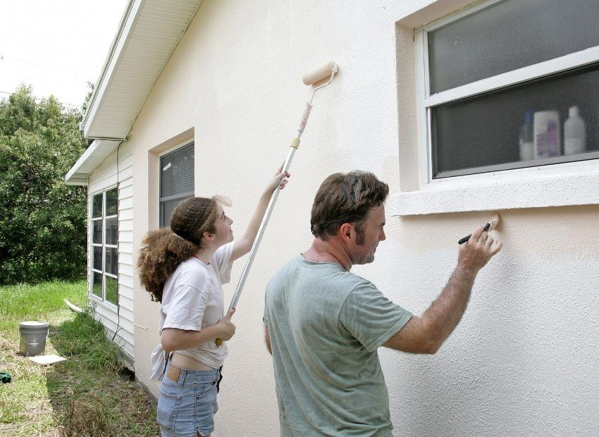Facade paint for exterior plastering: properties and types