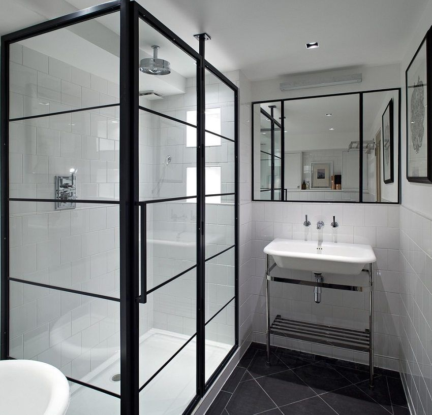 Forms and sizes of shower trays: a step-by-step installation guide
