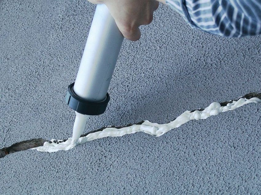 Waterproofing the floor in the apartment before the screed: types and details of installation