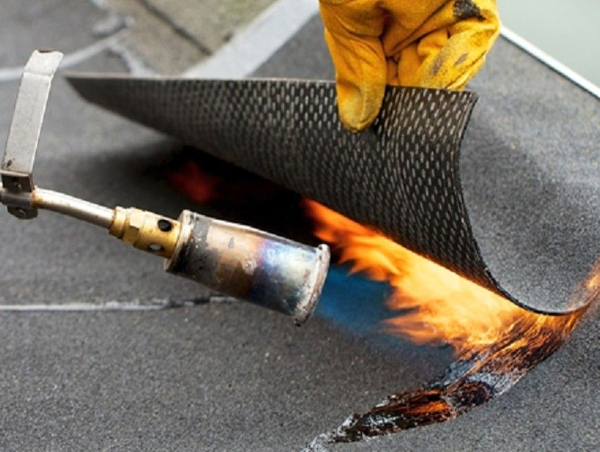 Gas burner for roofing: varieties, characteristics and features