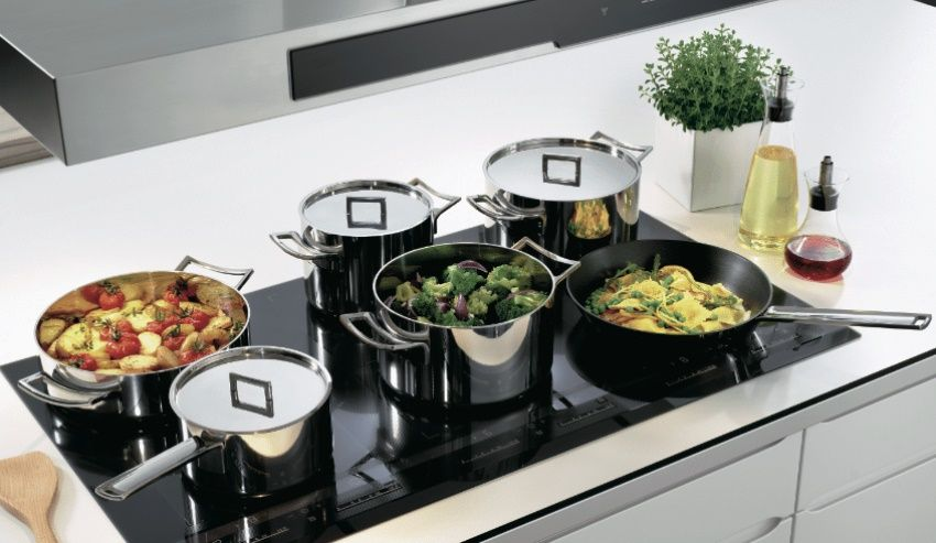 Induction hob: the pros and cons of an innovative hob