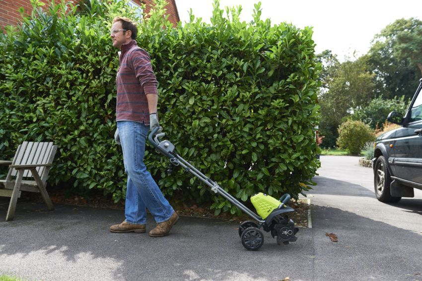 Electric cultivator for gardening: an indispensable gardener technique