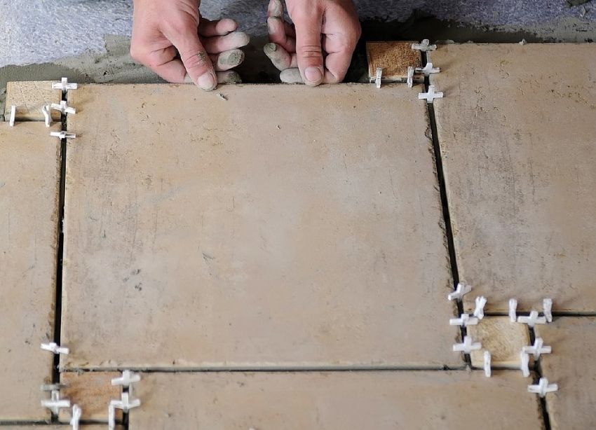 How to lay tiles on the floor: ways of laying and technology features