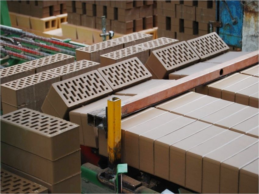 Clinker brick for the facade: reliable and presentable building design