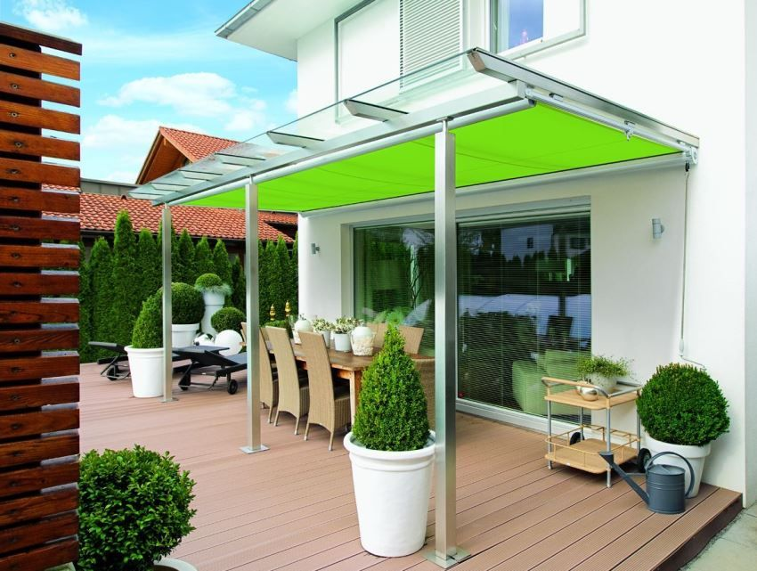 Visor over the porch of polycarbonate. Photos and design features