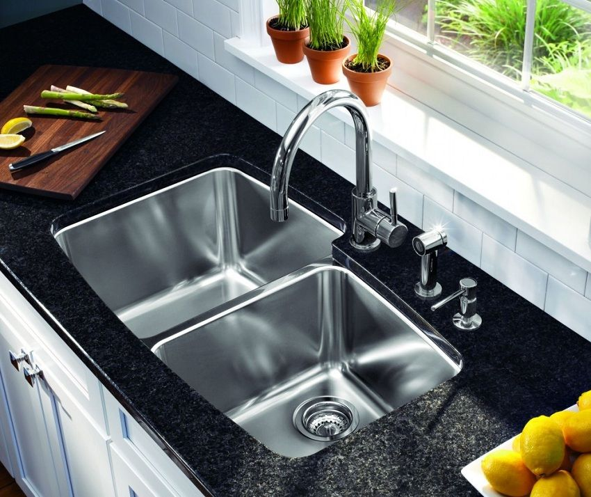 Sink for kitchen from stainless steel: features of the choice and its role in an interior