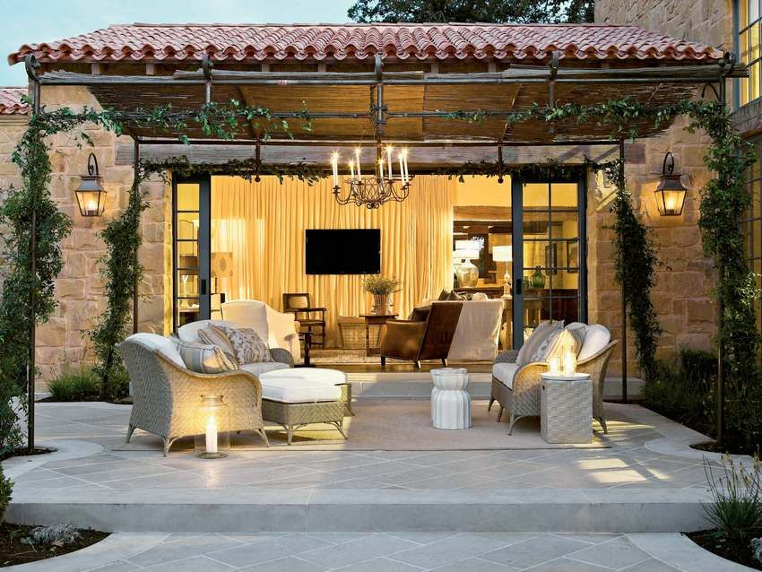 Canopies in the courtyard of a private house: photos of light and elegant designs
