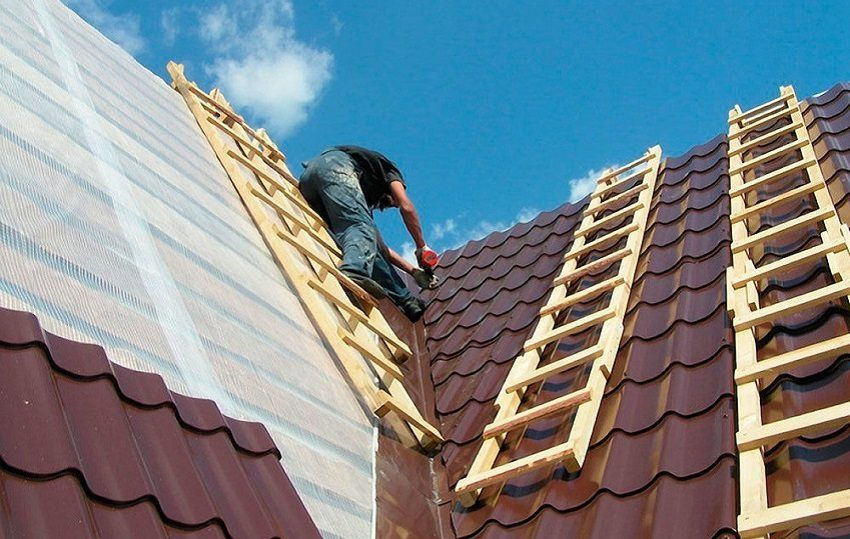 Ondulin or metal tile: which is better to choose for the roof of the house