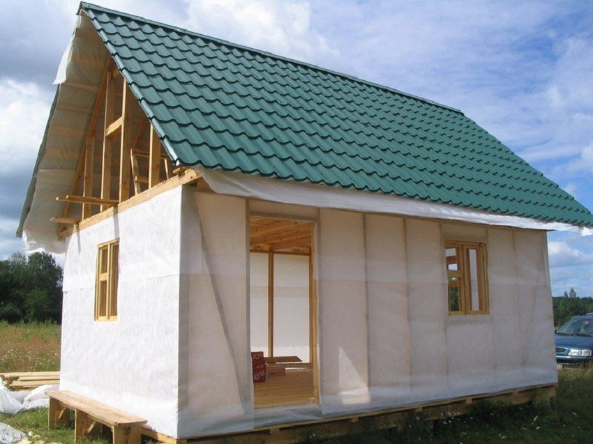 Vapor barrier for the walls of a wooden house: materials and installation features