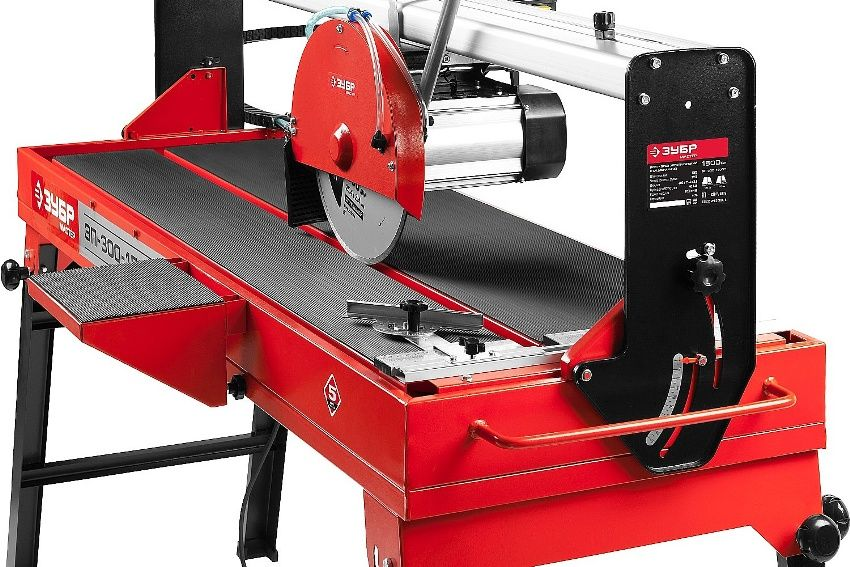 Water cooled electric tile cutter: tips for choosing