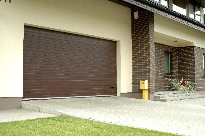 Garage overhead doors: dimensions, prices and features