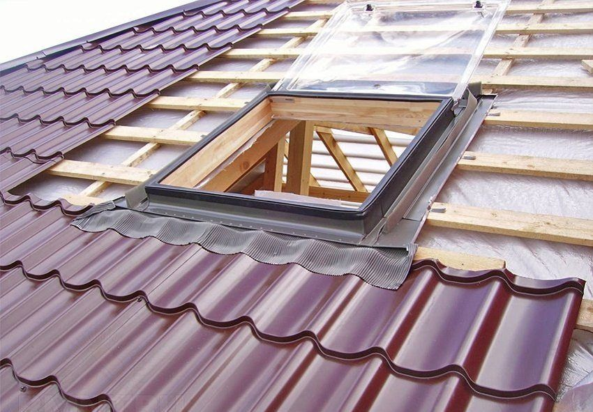Sizes of sheet metal roofing: price and selection parameters, installation of material