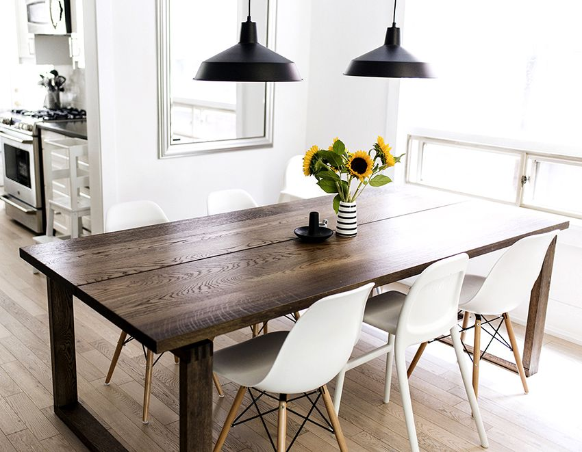 Table and chairs for the kitchen: traditional and non-standard solutions