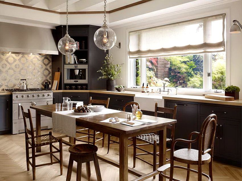 Wooden chairs for the kitchen: elegance in harmony with practicality