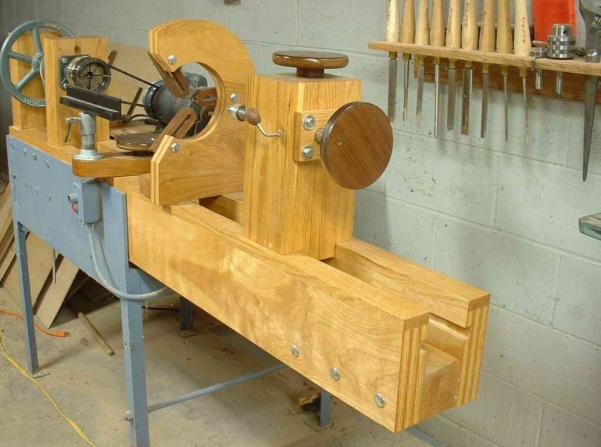 Do-it-yourself wood lathe: tips on making and using