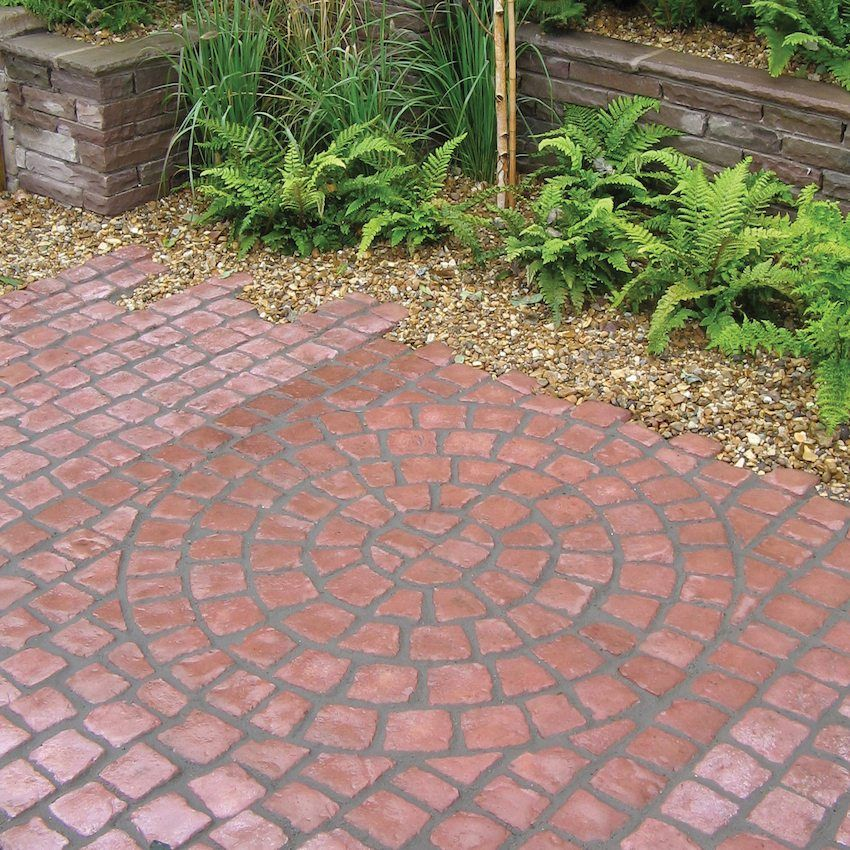 Pavement tiles in the yard of a private house: photo compositions