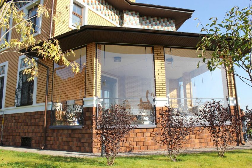 Street curtains for arbors and verandahs: beautiful protection against insects and the sun