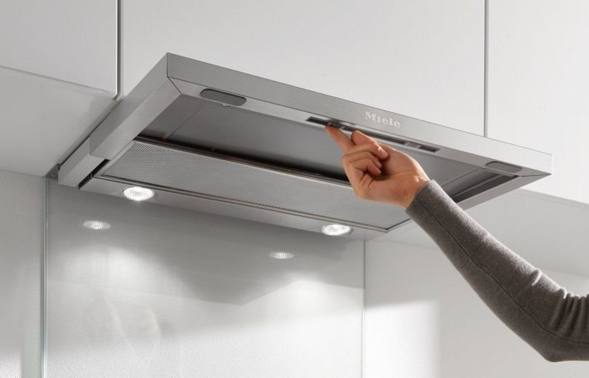Built-in kitchen hood: the best solution for air purification