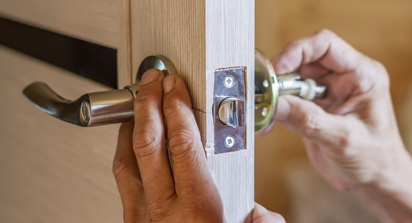 Lock for interior doors: how to choose a reliable and durable mechanism